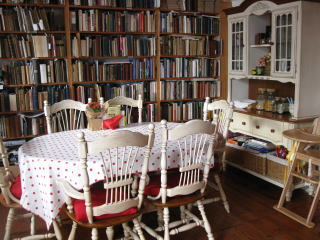 Booklovers Bed & Breakfast, Lyme Regis, Breakfast Room