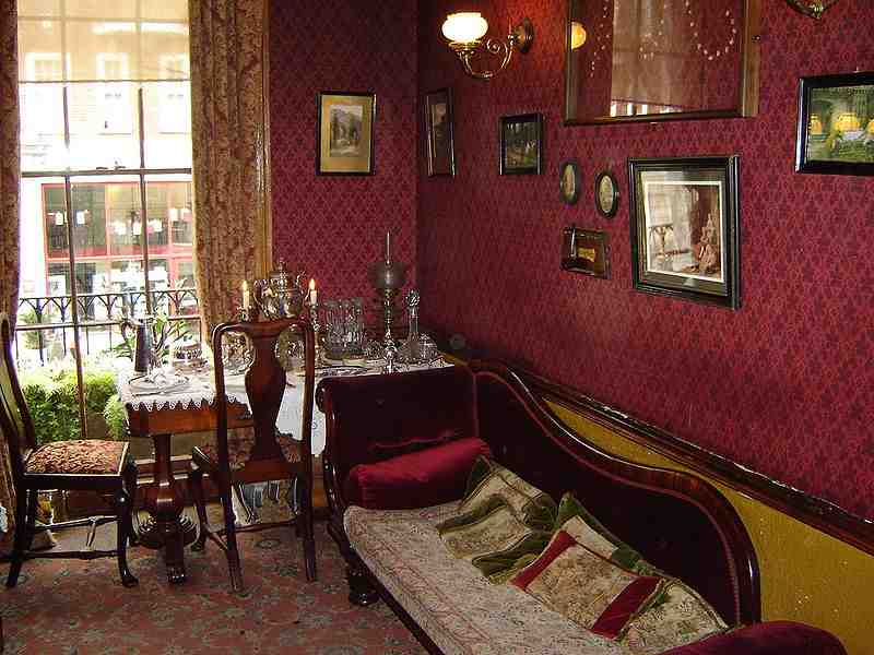 Sherlock Holmes Museum sitting room
