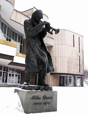 Statue of Miles Davis in Kielce
