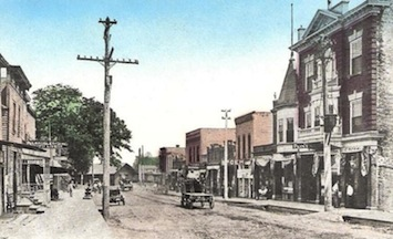 Main Street in Woodstock, Illinois in 1910