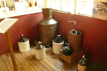 Copper stills and apparatus for making moonshine
