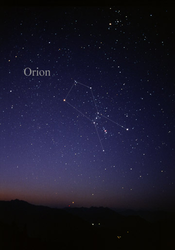 Photograph of Orion as seen by the naked eye (lines added) by Till Credner
